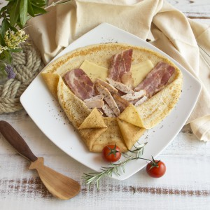 crepe_pollo_queso_bacon_01
