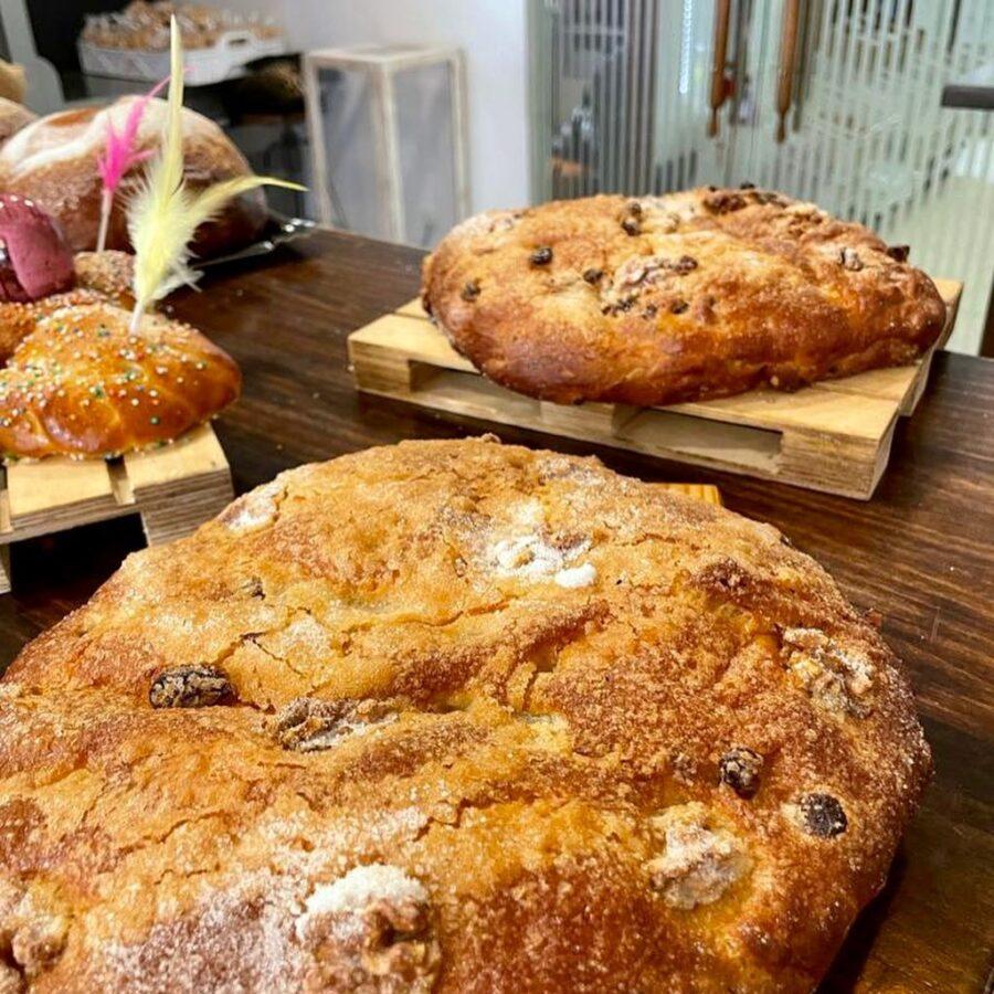 La Tahona del Abuelo gana con la mejor torta de pasas y nueces del XXXIV Concurso de Dulces de Pascua